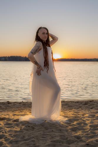 Auringonlasku Tyttö Valokuva